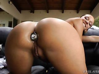 big booty sluts gets
