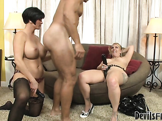 pair sexy women each